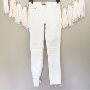 WHBM White Skinny Jeans Raw Hem Mid Rise